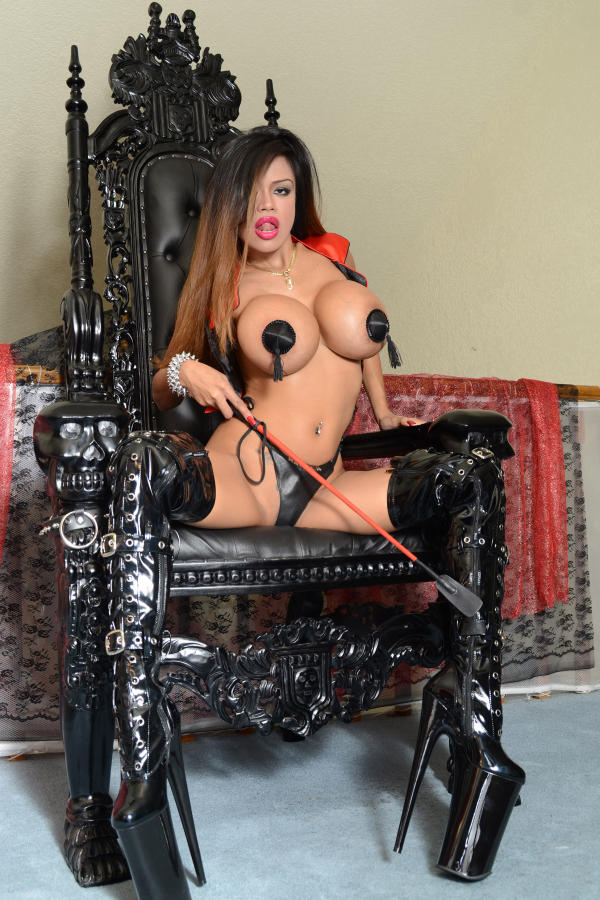 Cyber Angel Armie loves to tease