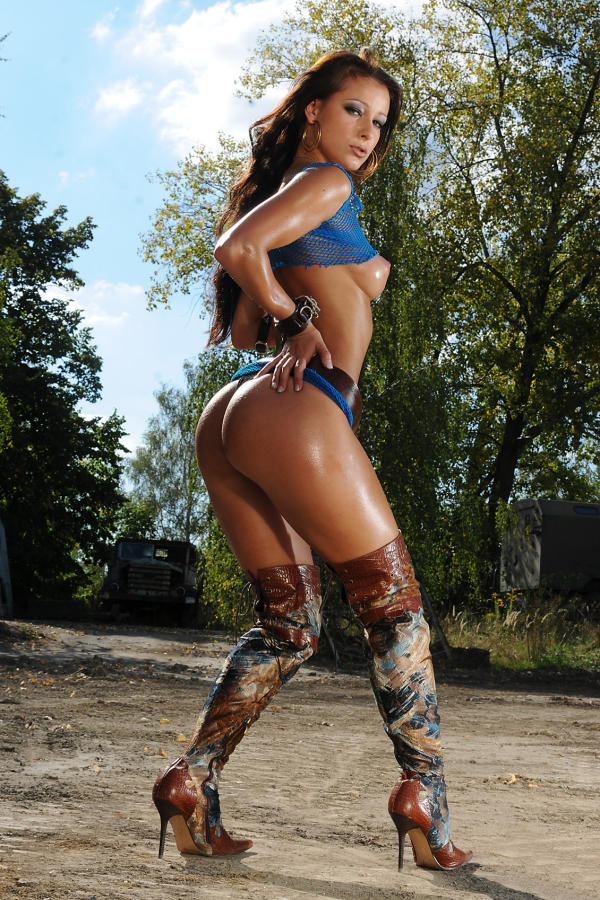 Cyber Angel Kristina with fancy boots