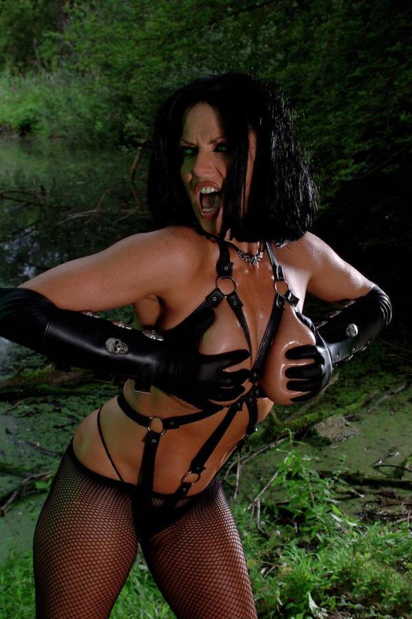 Cyber Angel Vanessa rubbing her tits